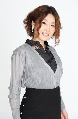 4.岩村美佳プロフィール画像