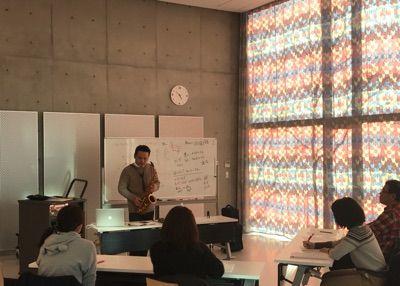平井さんの講座中です。