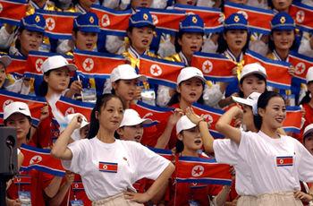 【テロ支援国家】バ韓国「おい、北朝鮮。オリンピック来てくれてありがとな。28億6000万やるよ」
