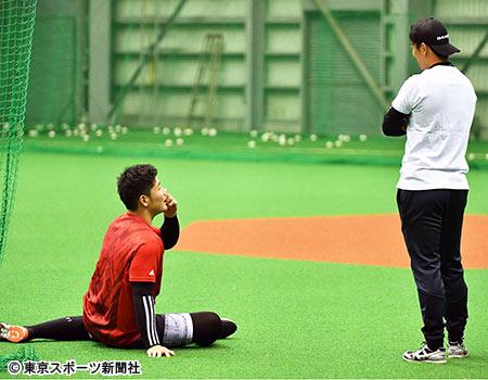 【野球】<斎藤佑樹と談笑した清宮幸太郎の態度> 球団関係者が苦笑い!ん? どっちが先輩だ?