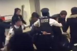 【キチ】中国人100人が新千歳空港で暴動wwwwwwwww