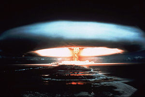 【WW3/核戦争勃発】イスラエルが核攻撃を仕掛けるという偽のニュースを信じたパキスタンの国防相がTwitterに報復攻撃を示唆するメッセージを投下wwwwwwwwwwwwwwww