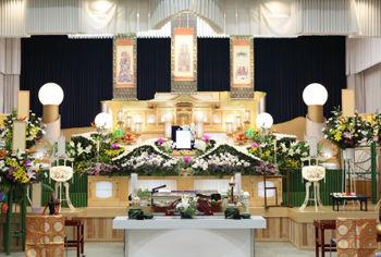 【悲報】日本人の葬式離れのせいで坊さん悲鳴…