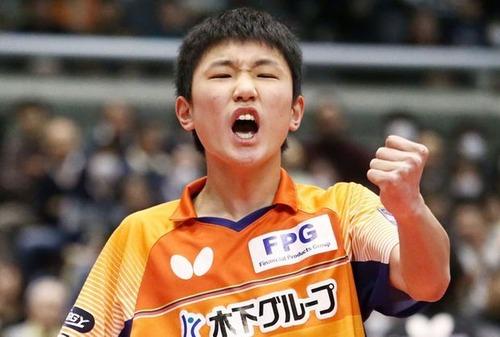 """【卓球】<張本智和>""""チョォレェェィ! オォウ! オォウゥ!!""""は許されるのか?"""