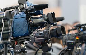 【改革】安倍首相、放送事業の見直し方針 ネット事業者が番組制作に参入しやすくする狙い
