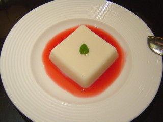 杏仁豆腐 山桃シロップ
