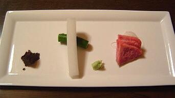 牛のお刺身と肉味噌
