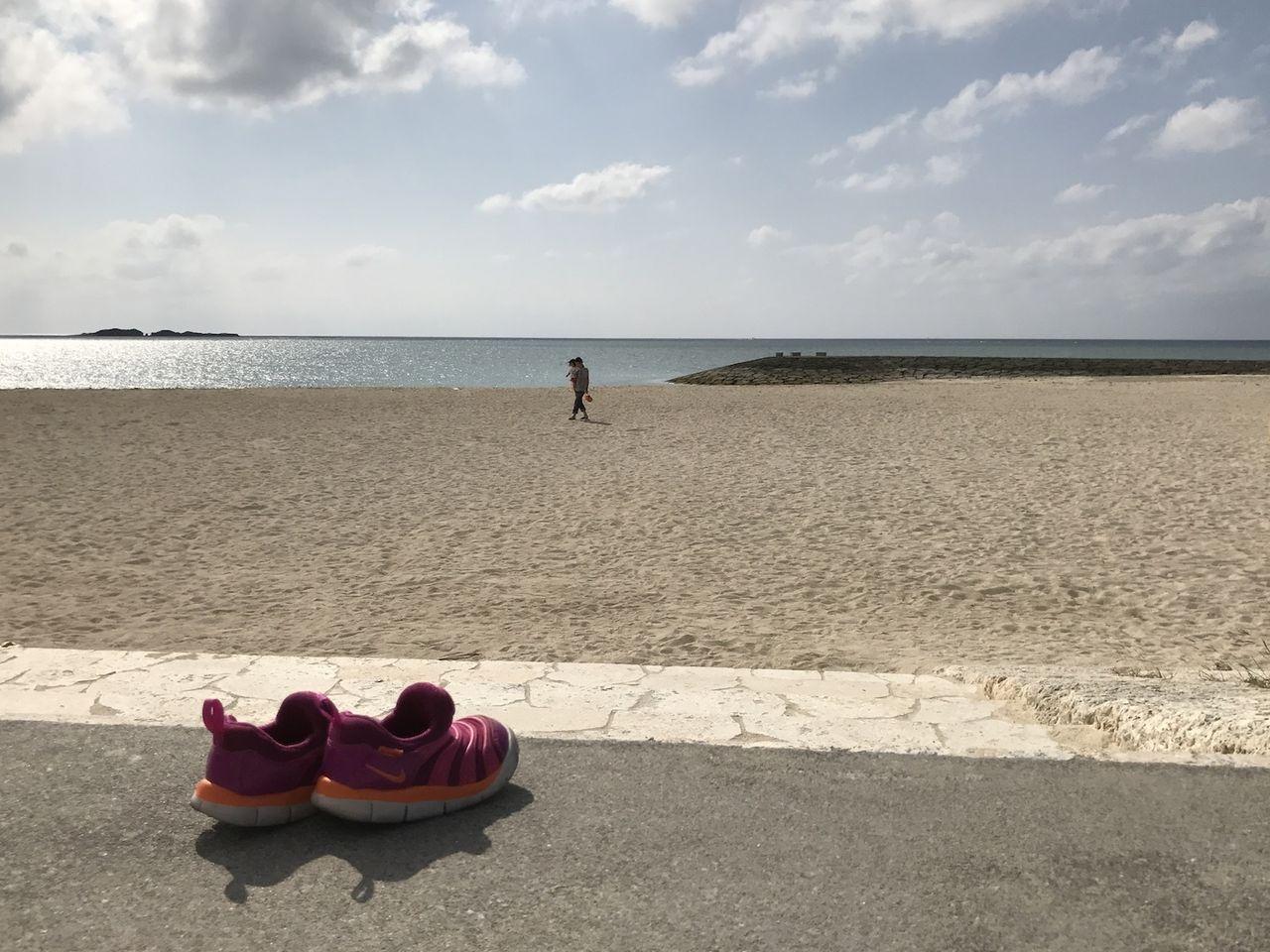 海と靴と沖縄