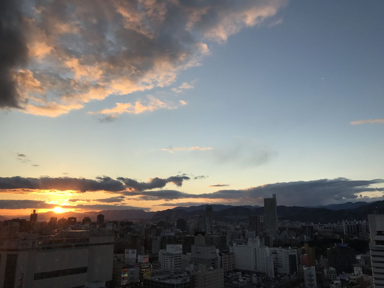 広島と夕日