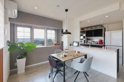 Afer -open kitchen-
