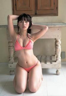 SUPER☆GiRLS 浅川梨奈「大人のオンナ」を感じる極上カット
