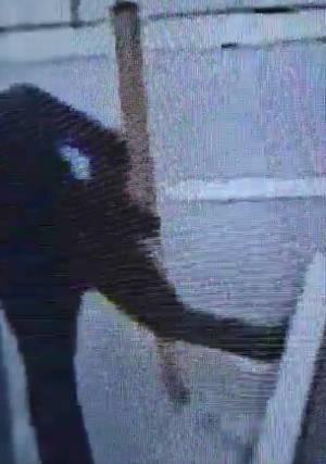松戸の事件で取材を断られ家を蹴って立ち去る記者