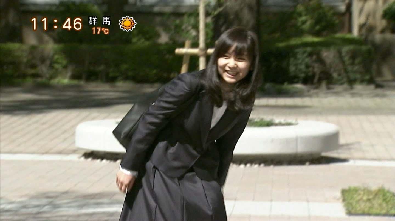 佳子さま スーツ姿