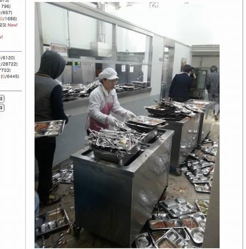 韓国給食マナーw