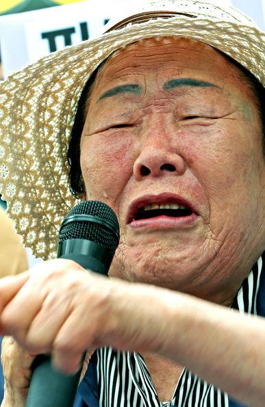 """""""安倍政権の外交戦略""""が『最期の対日優位を消滅させ』韓国人記者が発狂。世にも無様な負け惜しみを連発"""