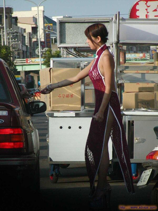 【画像あり】台湾のビンロウ売りの女の子エロ過ぎだろwwwwwwwwwwwwwww