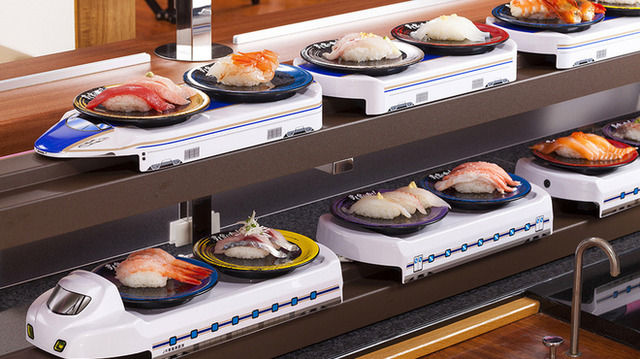 回転寿司で定番のにぎりでもいきなり注文しまくってる奴大杉問題