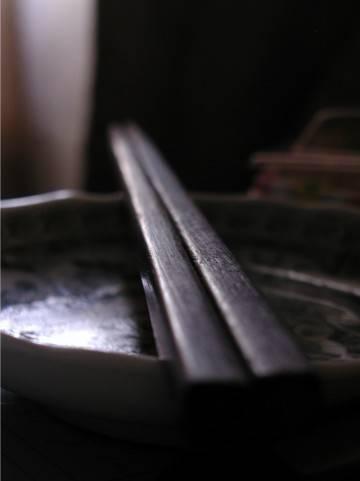先輩(31)に「やめろwww俺さお前の米粒一粒も残ってない茶碗見ると悲しくなってくるんだよww苦労したんだなってよww」とか言われた・・・・・・
