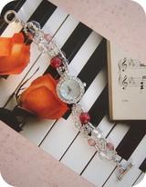 クリスタルラインストーンの腕時計