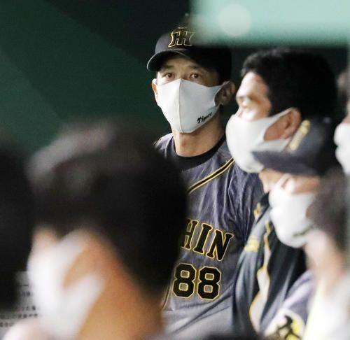 阪神・矢野監督、痛恨のバスターエンドラン失敗に「俺自身が受け止めている」