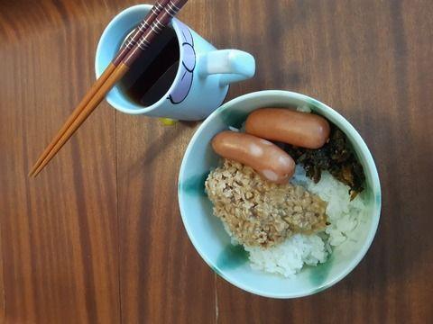 【朗報】夜勤明けワイの朝飯が美味そうすぎると話題に