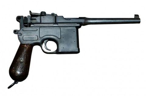 韓国・仁川発~大阪行きの搭乗者の旅行鞄からドイツ製の拳銃(モーゼルC96)が[04/15]
