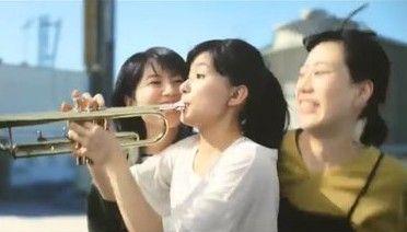 【動画あり】三ツ矢サイダーCMについて、トランペット奏者がとても危険と指摘! 「吹いている最中に後ろから…」