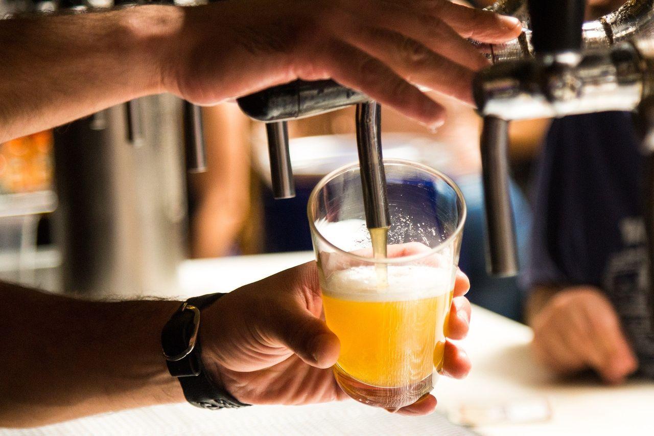 【悲報】お酒、1日たった一杯飲むだけでも寿命が縮むことが判明wwww