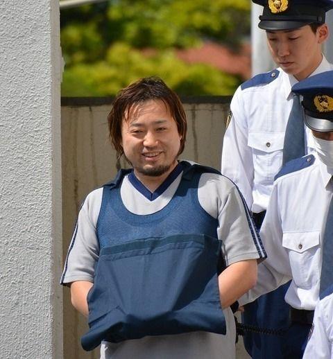 千葉家族4人殺傷、元千葉市議の容疑者を送検 フード拒否、終始笑みを浮かべる[5/15]