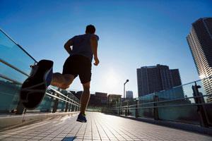 脳科学者・茂木健一郎さん「1日10キロ走ると脳が活性化する。ぜひ試して。僕も毎日走っている」