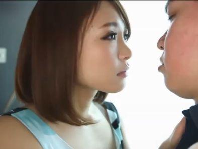 動画 小西悠(こにしゆう)★SS級美女が快楽に身をゆだねて腰をふる!