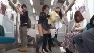 【紺野ひかる】電車内でハメてしまう