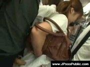 電車の中にいたミニスカ美少女にチンコ押し付けるの楽し過ぎワロチwww