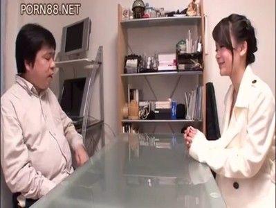 激カワAV女優がファンサービスで素人宅に訪問セックス