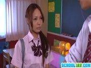授業が終わった後は皆が帰った後に教室で放課後セックスする女子校生(百田ゆきな)
