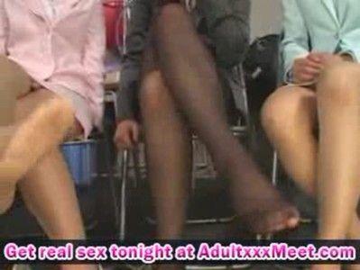 足がキレイなOL風女子5人による足コキプレイですぐいっちゃった!!