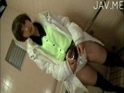 カラオケボックスでセクシー下着の巨乳女性がねっとりフェラにパイズリ