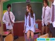 クラスのアイドル的存在のギャルが実は男達のオナペットだった知って驚愕とした・・・(百田ゆきな)