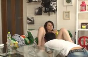 【盗撮】五十路のパート従業員の人妻を自宅に連れ込んでエッチに持ち込むナンパ師