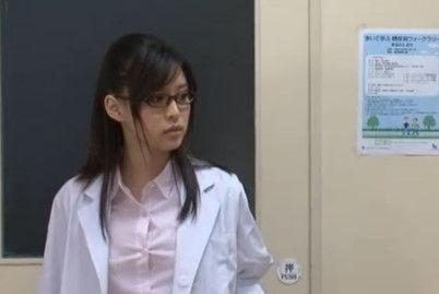 【葵つかさ】インテリ美女の高学歴な女医が患者に輪姦レイプされる病院の夜勤の実態w