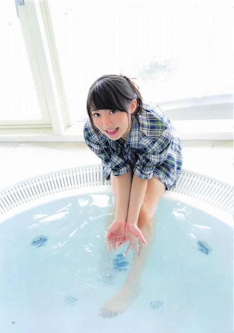 木崎ゆりあ3 (1)