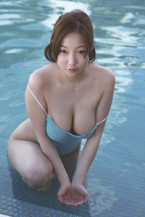 麻生亜実 (19)