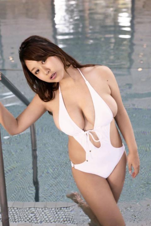 西田麻衣 (57)