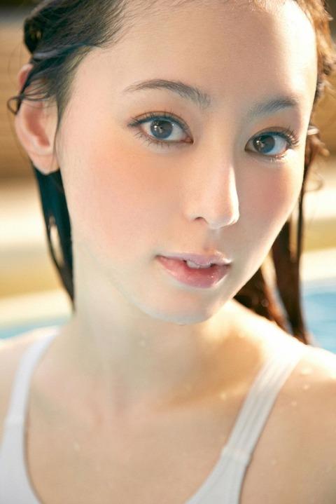 秋山莉奈 (11)