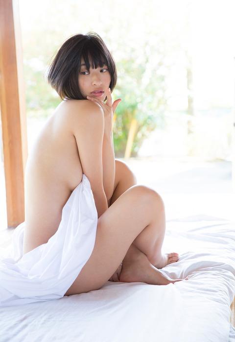 倉持由香 (32)