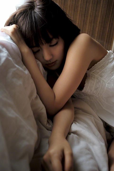 真野恵里菜 (24)