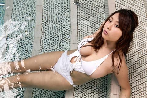 西田麻衣 (73)