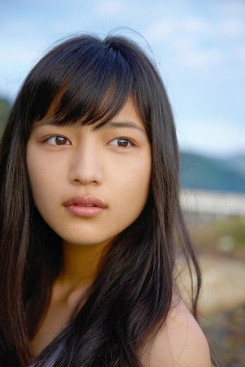 川口春奈 (32)