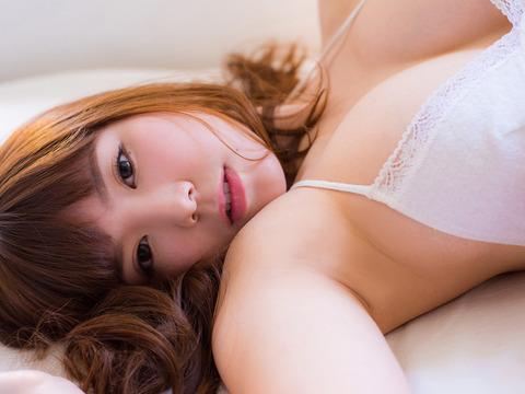 金子栞 (45)