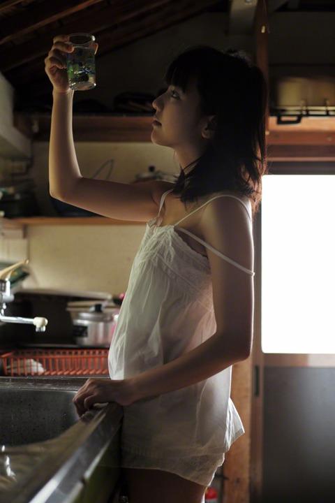 真野恵里菜 (28)